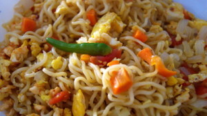 fried noodles 1 300x168 Fried Noodles – Bangladeshi Style