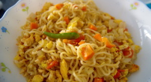 fried noodles 300x164 Fried Noodles – Bangladeshi Style