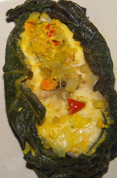 Hilsa in leaves / Ilish Paturi