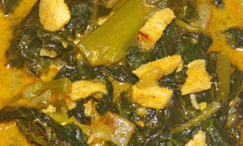 Indian spinach with chicken breast /Pui Shaker Jhol