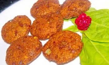 Chingri Motor Daler Bora / Prawn Peas Fritter