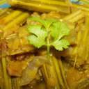Sojne Dal / Drumstick with red lentil